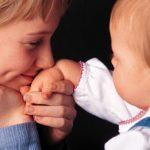 زنان مجرد هم میتوانند سرپرستی کودکان بی سرپرست را برعهده بگیرند
